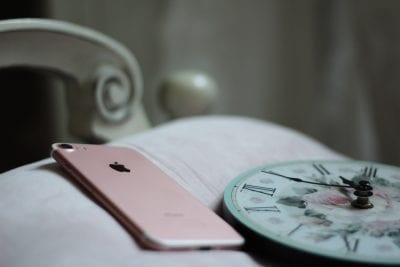 phone while in bed won't help to heal insomnia