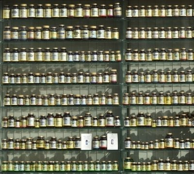 different types of best supplements display