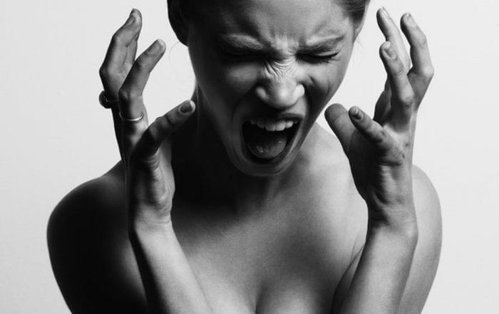 woman in pain, cavities
